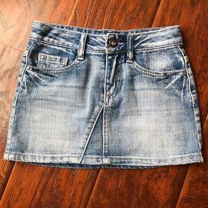 Girls Guess Skirt!